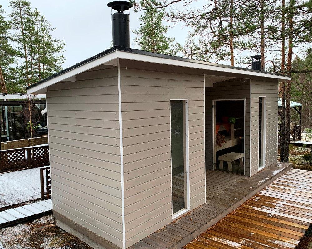 Suomi 100-saunarakennus takkahuoneella